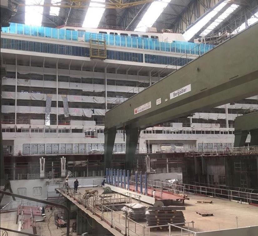 Papenburg… cantiere navale Meyerwerft…